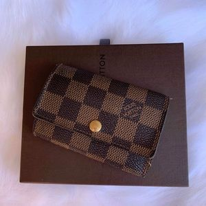 Louis Vuitton 6 keys card holder